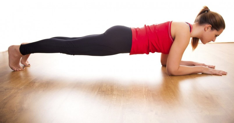 В зависимости от вида планки, включаются или выключаются те или иные мышцы
