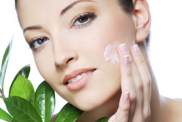 Замедлить возрастные изменения кожи, улучшить её общее состояние, избавиться от мимических морщин, восстановить текстуру кожи – все это под силу косметике Teana.