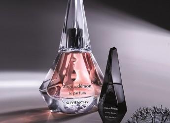 Духи Ангел и Демон от Givanchy выпущены в 2011 году, и представляют группу шипровых цветочных ароматов.