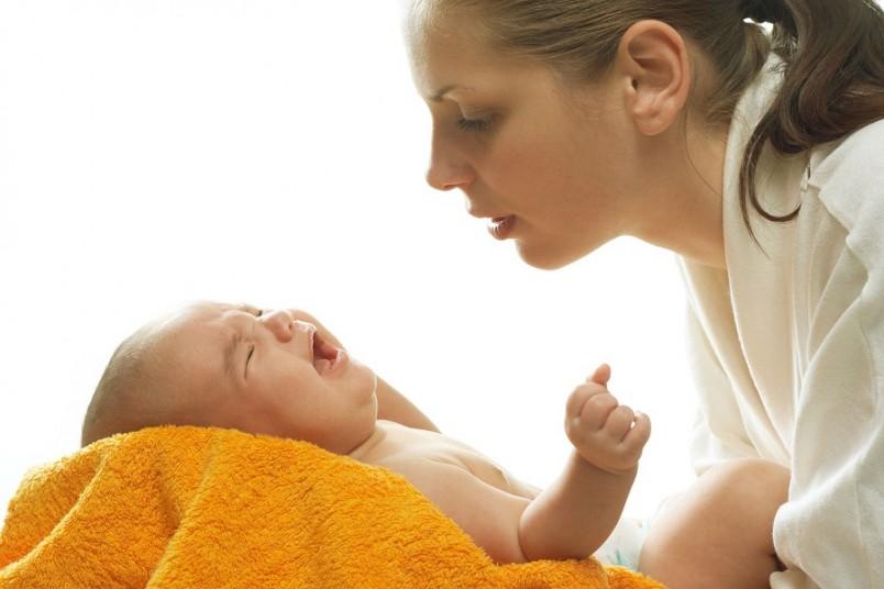 Скорость и время закрытия родничков в основном зависит от того, насколько организм малыша обеспечен кальцием.