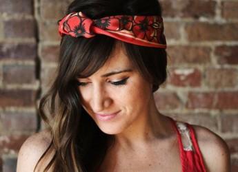 Сегодня мода на всевозможные шарфы, кашне, повязки, платки переживает собственное возрождение.