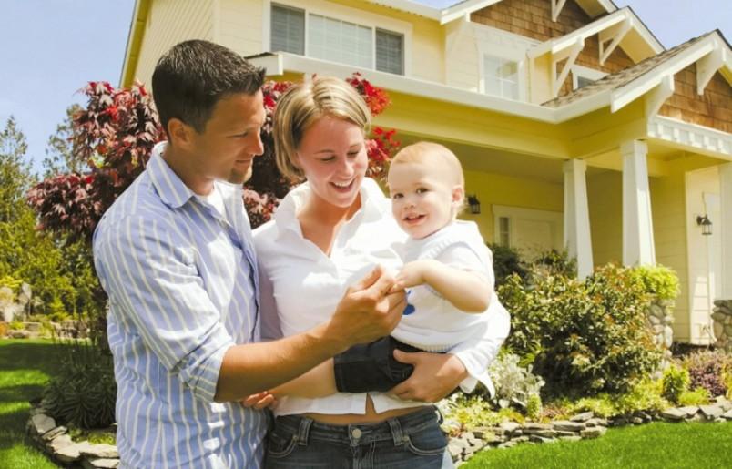 Если у родителей разные места прописки, и они хотят прописать ребенка к отцу, то потребуется нотариальное согласие от матери.