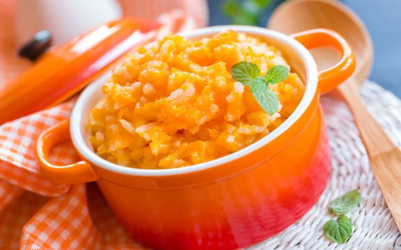 Рисовая каша с тыквой вот уже много лет ходит в любимчиках у многих гурманов.