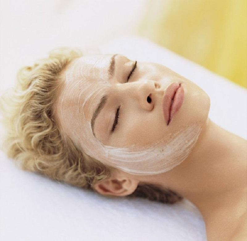 Димексид может использоваться для лица не только как средство от морщин, но и как антисептик.