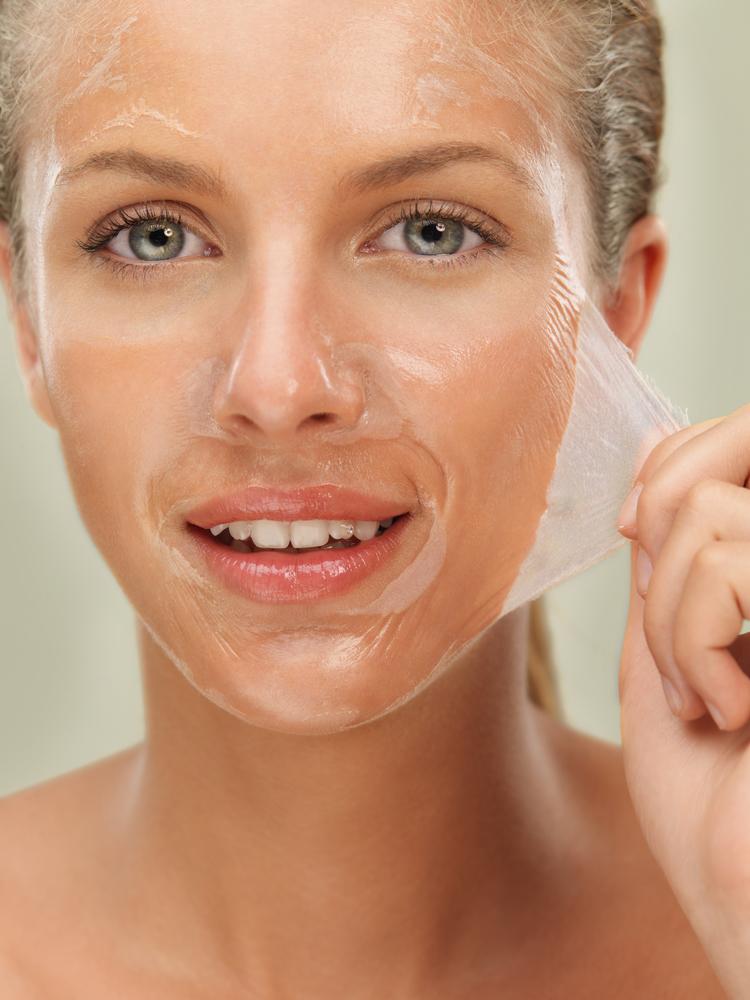Учитывая основные свойства маски с желатином, ее рекомендуется применять для решения косметических проблем.