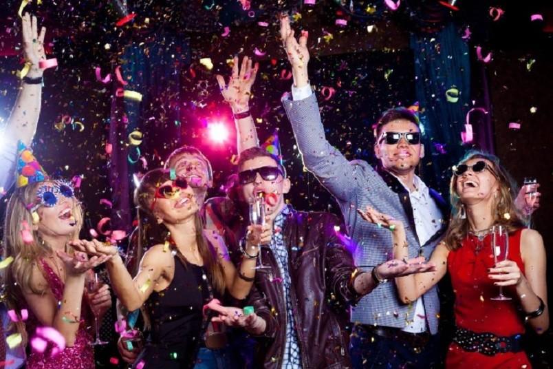 Чтобы провести запоминающуюся вечеринку в честь дня рождения мужа нужно заранее подготовиться.