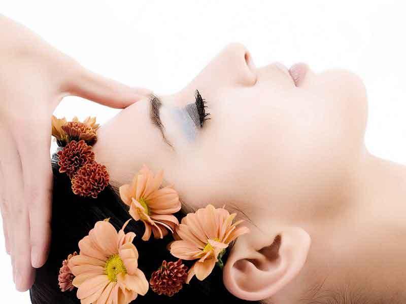 Каждая женщина, хотя бы раз испробовавшая на себе альгинатную маску, не захочет променять ее ни на какую другую.