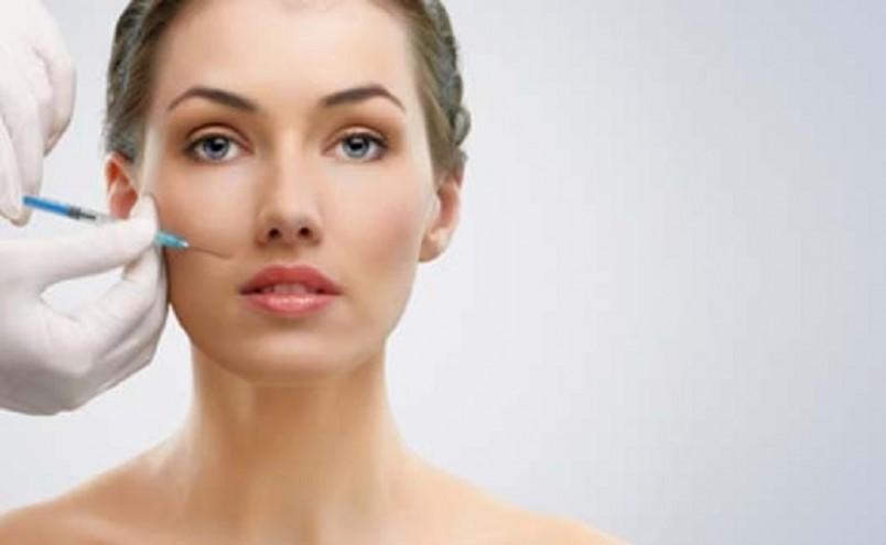 Мезотерапия проводится как профилактическая мера, если кожа выглядит потускневшей и утратила свой тонус.