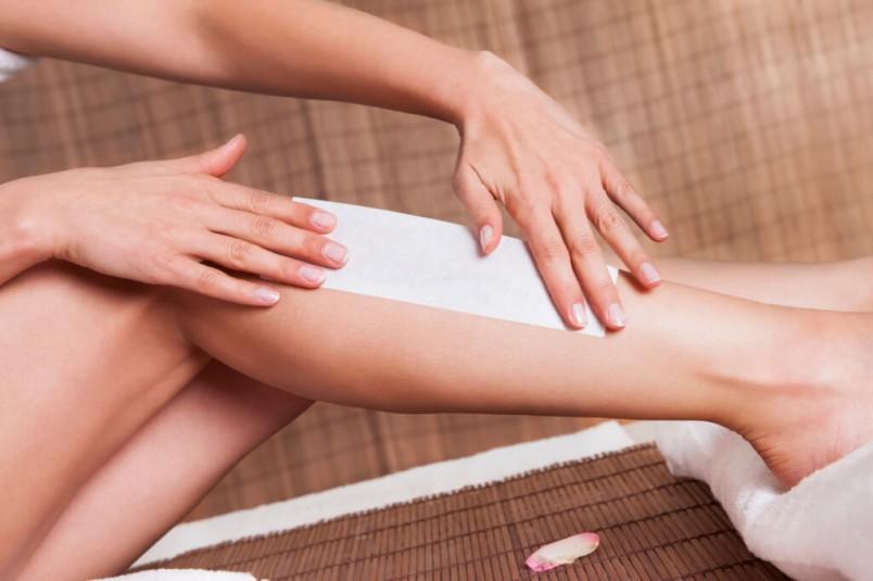 Восковая депиляция используется для проведения процедуры депиляции на любых участках тела как женского, так и мужского.