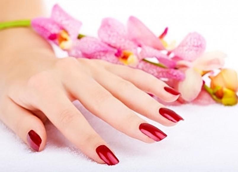 Обучение наращиванию ногтей – выгодное дело, так как уроки в интернете можно получить бесплатно.