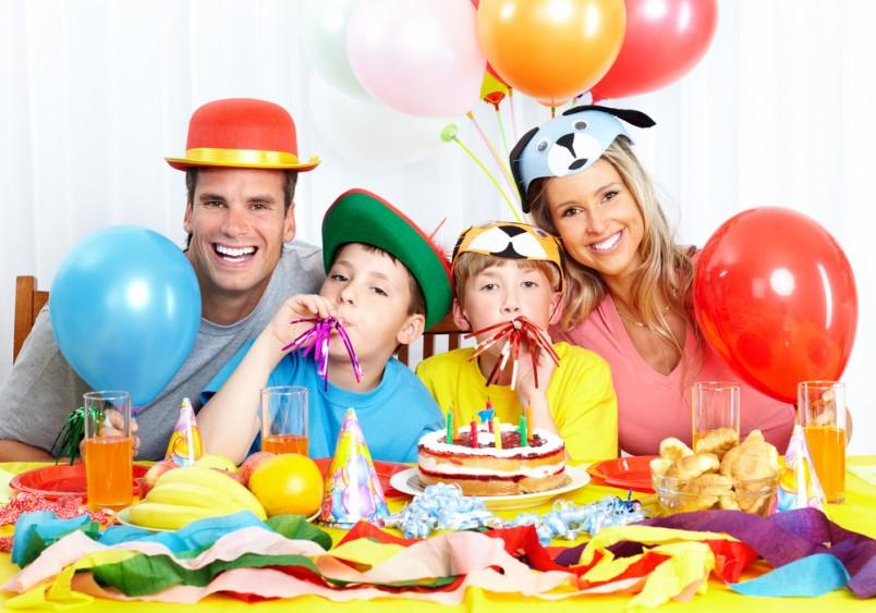 Сценарий на день рождения ребенка 5 лет можно придумать какой угодно. Главное чтобы он понравился гостям и имениннику.