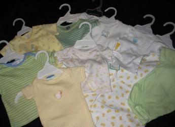 Размеры одежды для маленьких детей напрямую связаны с их ростом.