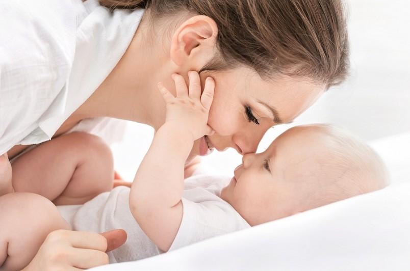 Педиатры отмечают, что в этом возрасте одни малыши могут весить 5,5 кг, а другие – 7,5 кг, при этом ни у кого из них нет никаких отклонений от нормы.