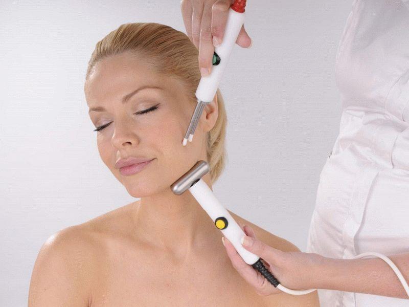 Как и любая другая косметическая процедура, чистка лица ультразвуком имеет свои противопоказания