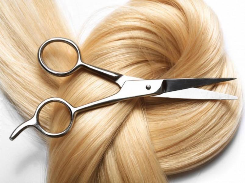 Обладая профессиональным парикмахерским набором (комплект острых ножниц для произведения различных стрижек), вы сможете самостоятельно, без помощи посторонних подстригать себе волосы в любой подходящий момент!