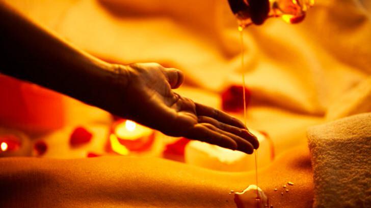 Таинство под названием Hot oil massage.