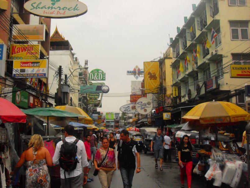 Одна из самых известных улиц мира, исторический центр Бангкока - Каосан.