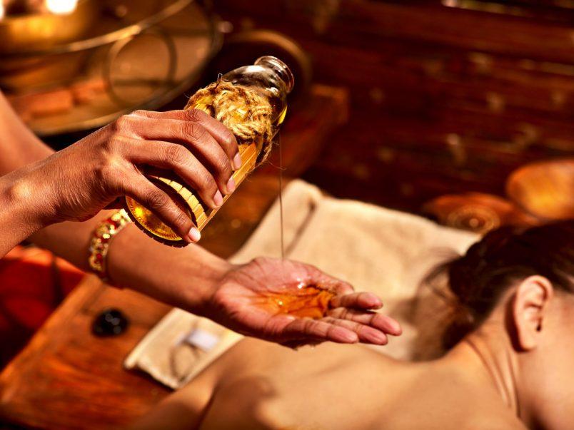 Тайский массаж горячим маслом (Hot oil massage)