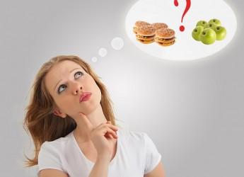 Во время беременности потребление многих продуктов следует значительно уменьшить или полностью исключить из рациона питания.