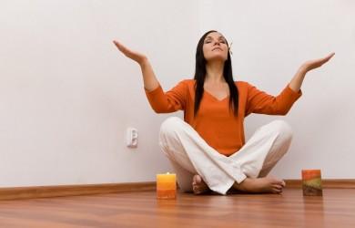 Простой способ успокоить нервы — побыть в одиночестве в спокойной и тихой обстановке.