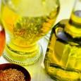 То, что льняное масло очень полезно, известно многим, но стоит обратить внимание и на его противопоказания.