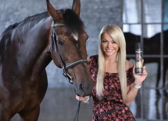 Шампунь лошадиная сила рекомендуют применять при выпадении волос, при волосах поврежденных, ломких и секущихся, а также для тусклых волос, которым требуется здоровый блеск.