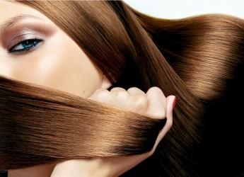 Использование средств народной медицины в борьбе с выпадением волос направлено на укрепление, улучшение кровообращения и стимулирование их роста.