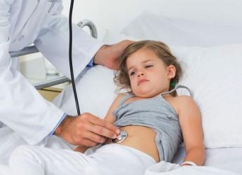 Ротавирусная инфекция относится к типу так называемых болезней «грязных» рук – передается через продукты питания и контактно-бытовым путем.