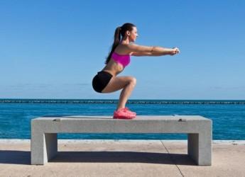 Приседания стимулируют гормоны роста мышц, которые укрепляют весь организм.
