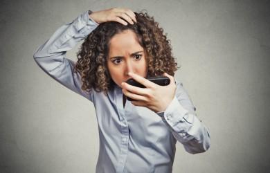 Перхоть не является контагиозной болезнью, но заставляет носителя испытывать социальный дискомфорт.