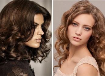 Волнистые волосы требуют не меньших усилий и времени для ухода, чем прямые.